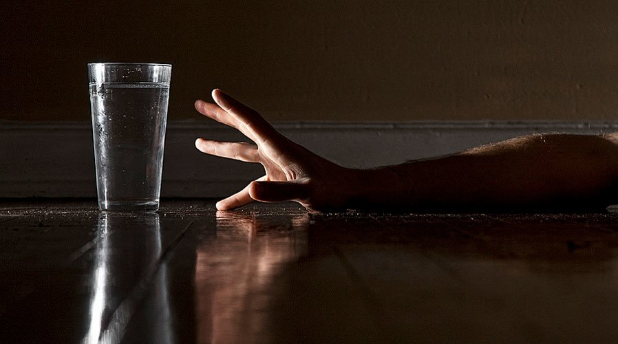 not enough drinking water essay Most people don't drink enough water- heck, some drink only diet cola, which dehydrates a personhow does not drinking enough water each day impact on.